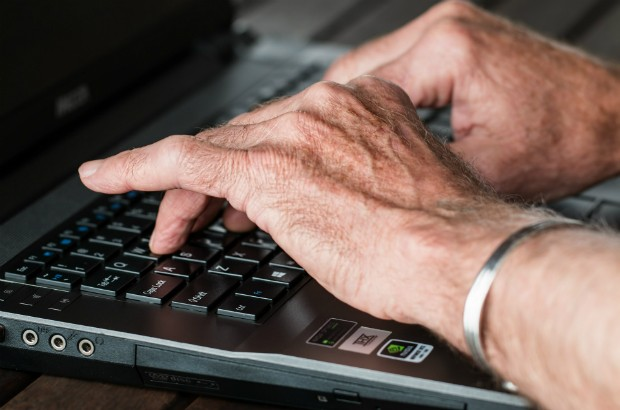 Hands typing on a keyboard (credit: stevepb/CC0 1.0)